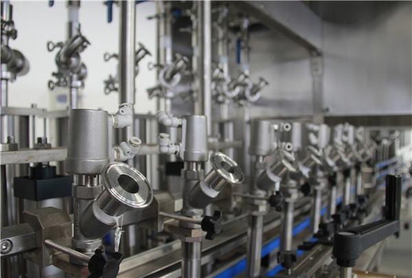 Máquina de recheo de aceite de botellas comestibles de alto rendemento
